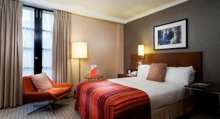 Love Is In The Air At The Crowne Plaza London Kensington 3