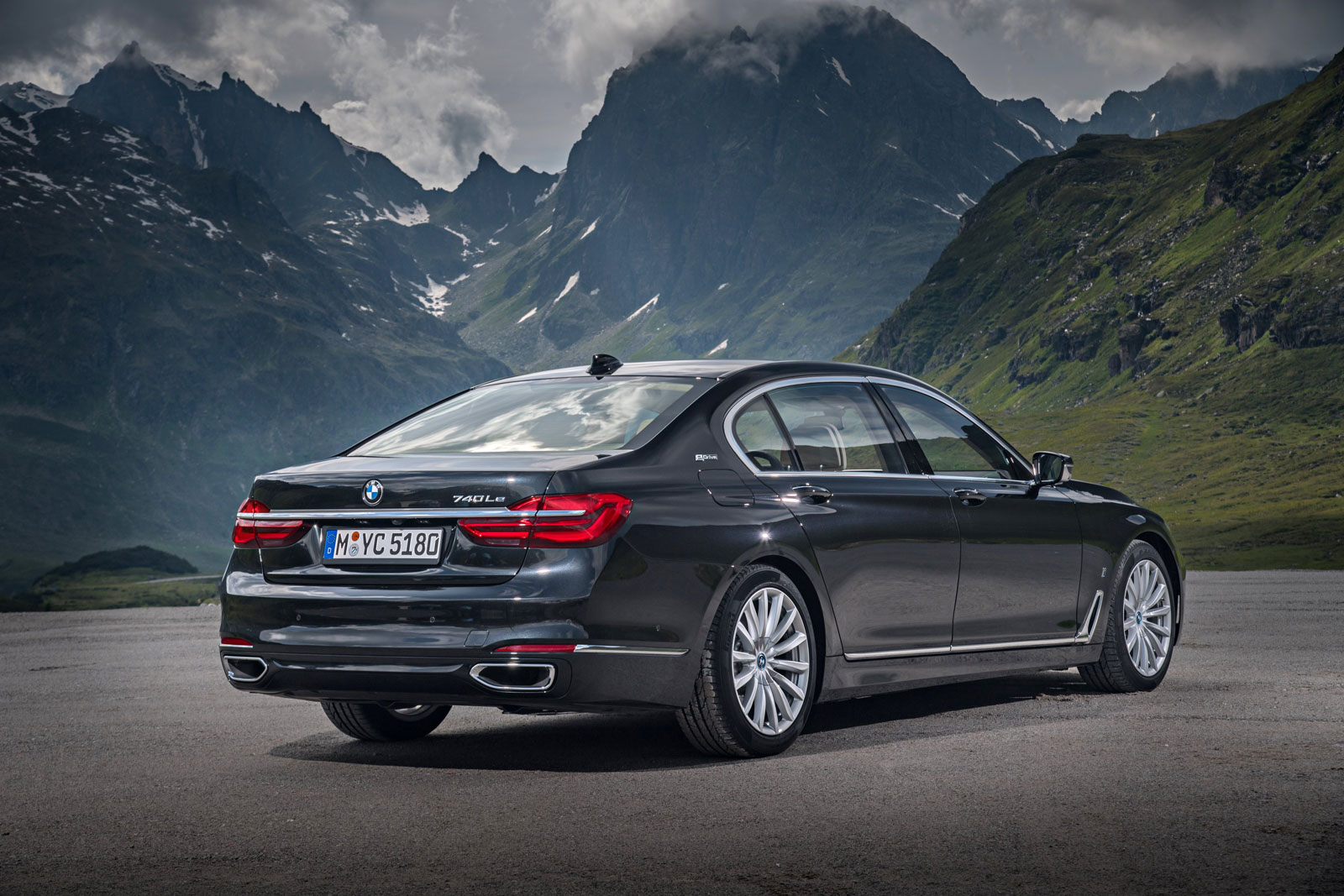 BMW i Technology Makes Debut On The New BMW 740e And 740Le xDRIVE 6