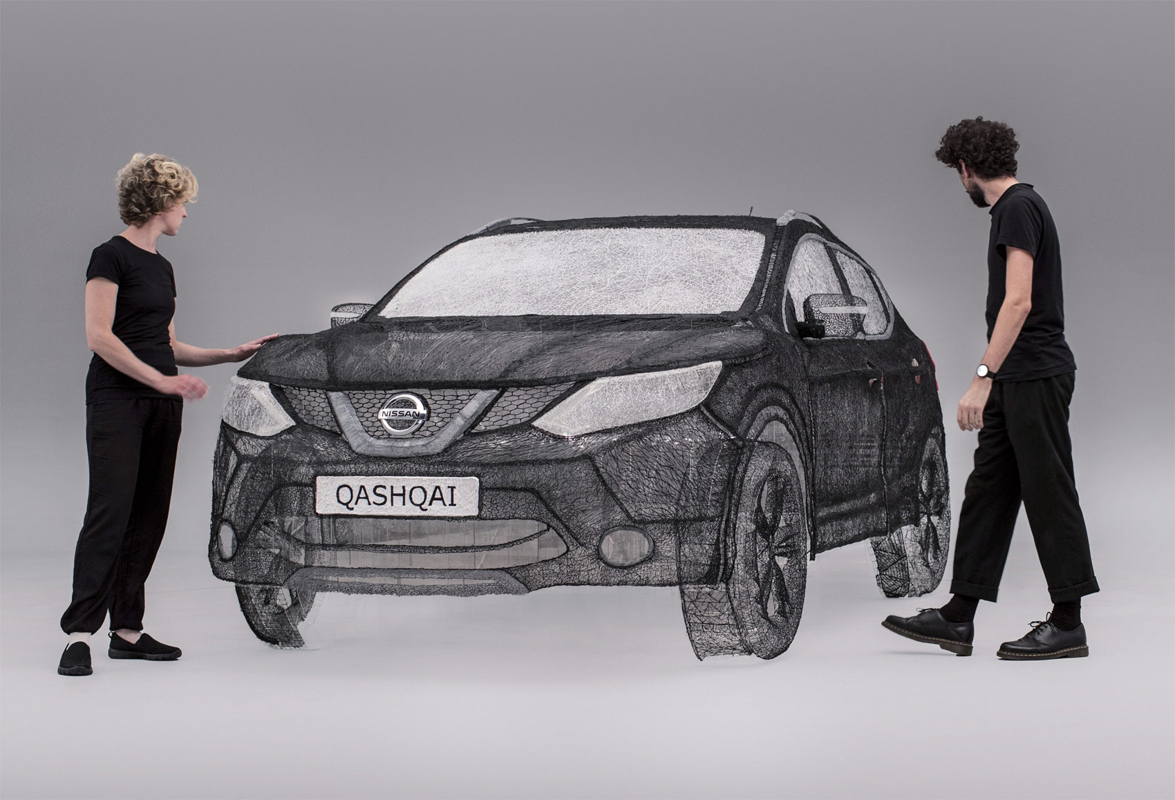 Nissan Draws Full-Sized Qashqai Black Edition Using 3Doodler 3D Pen 8