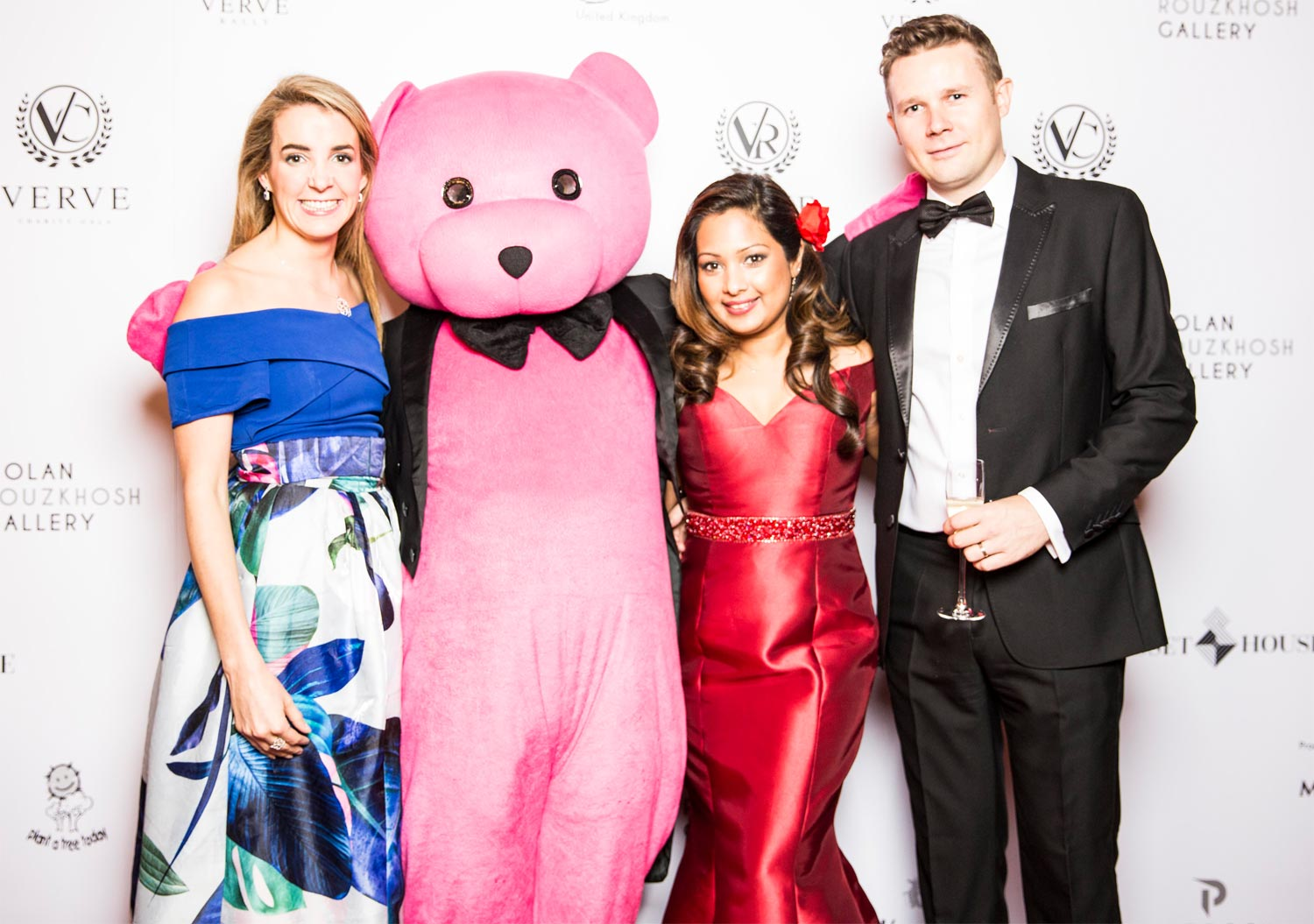 Inaugural Verve Fundraising Gala Ball Raises Over £10,000 for Charity 1