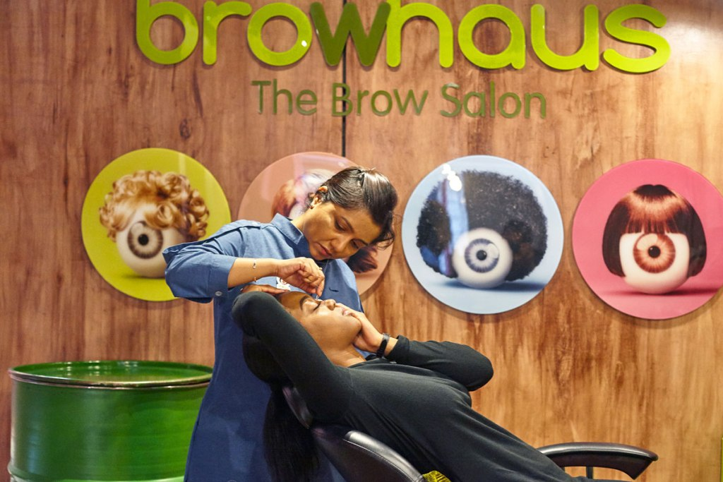 During the treatment, your technician will create your dreamy, bespoke brows
