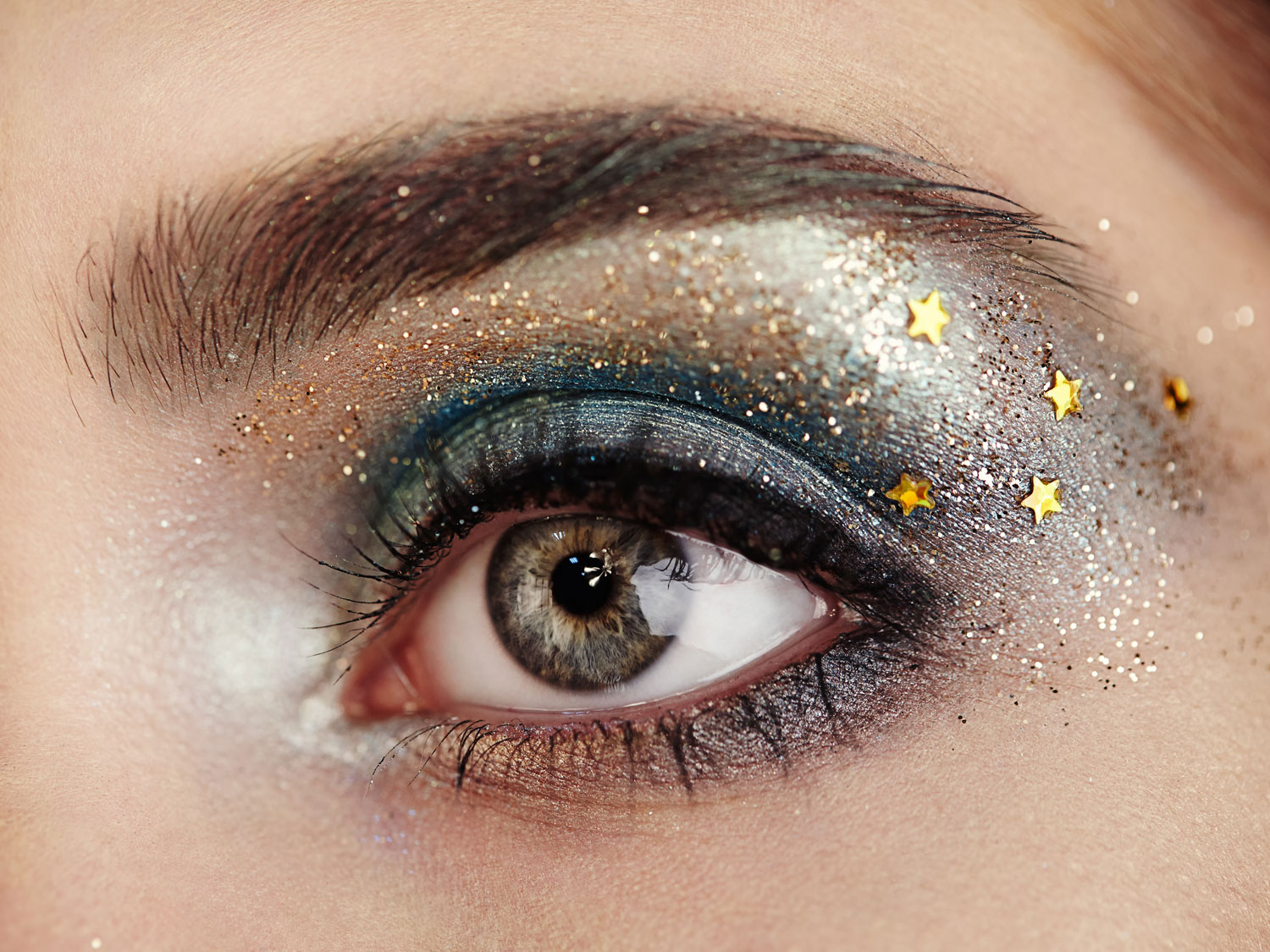 FREZYDERM - The Simple Way To Make Your Eyes Sparkle This Party Season 5