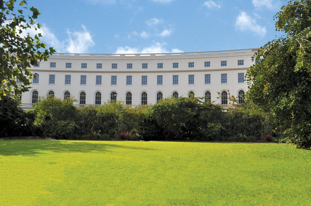 Former Ambassador's Residence for Sale in The Park Crescent, Regent's Park 12