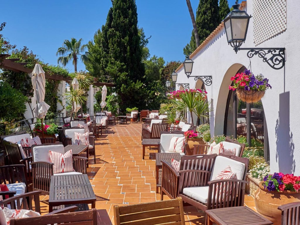"""A Touch Of """"Old Fashioned Class"""" At Palma's Bon Sol Hotel"""
