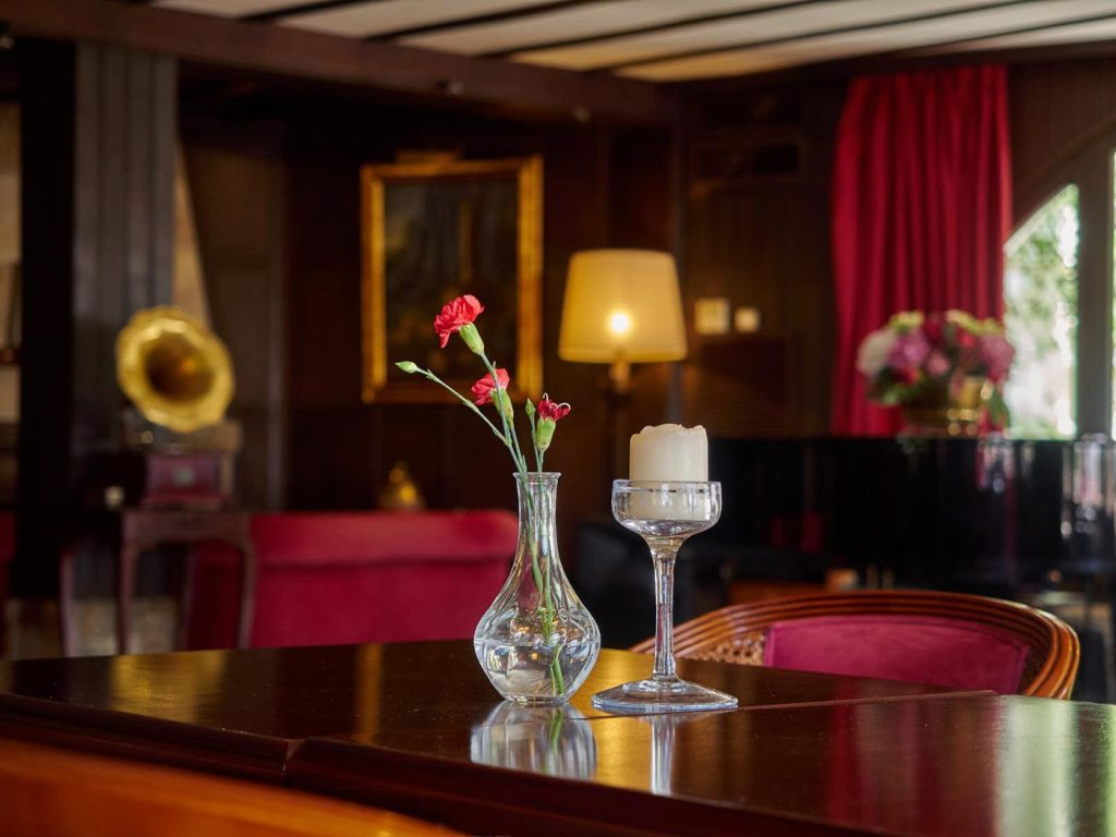 """A Touch Of """"Old Fashioned Class"""" At Palma's Bon Sol Hotel 7"""
