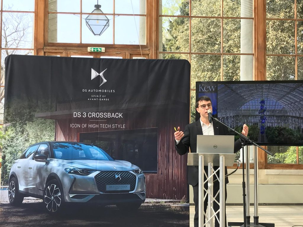 DS 3 Crossback Road Test at the Chihuly At Kew Exhibition 5
