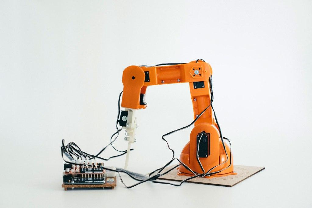Robotic arm developed at Institut auf dem Rosenberg