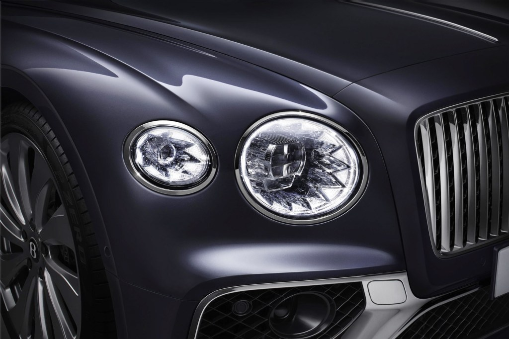 The Newly-Designed Bentley Flying Spur is a Technological Tour de Force 9