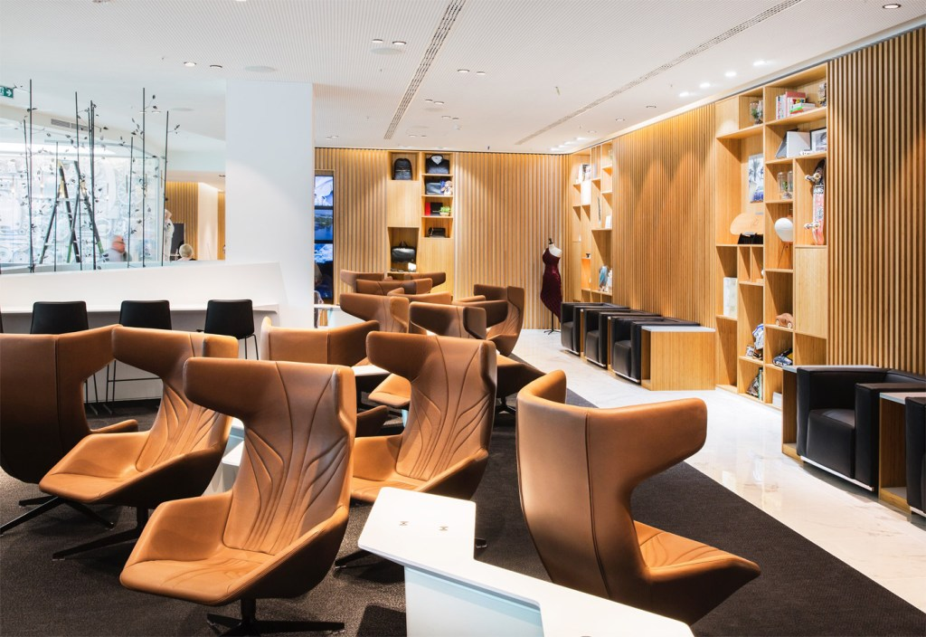Which Airport Lounge has Reached the 'Lofty' Height of Best in Europe? 5