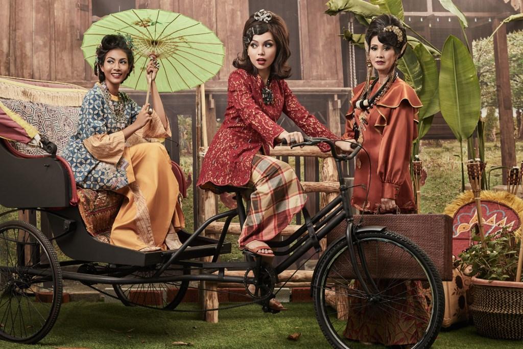 Design and Fashion by Malaysian designer Melinda Looi