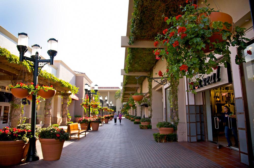 Shopping in Newport Beach Southern California