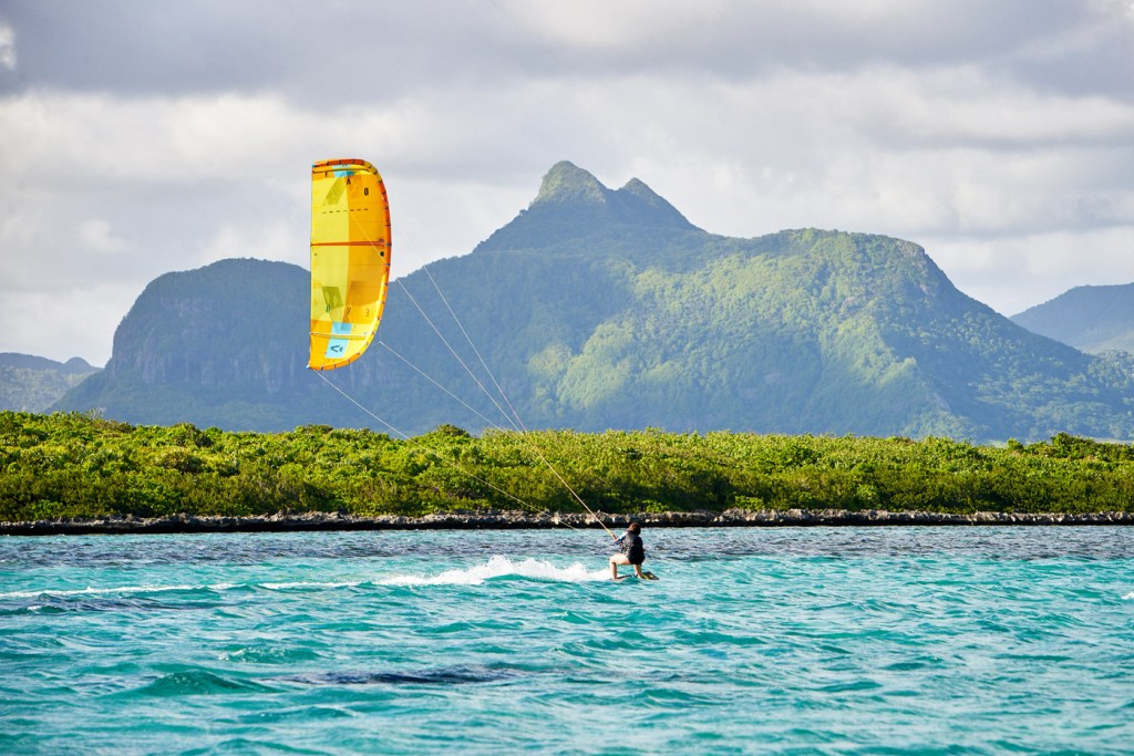 Luxurious Magazine Attempts to Master the Skill of Ocean Kitesurfing in Mauritius 4