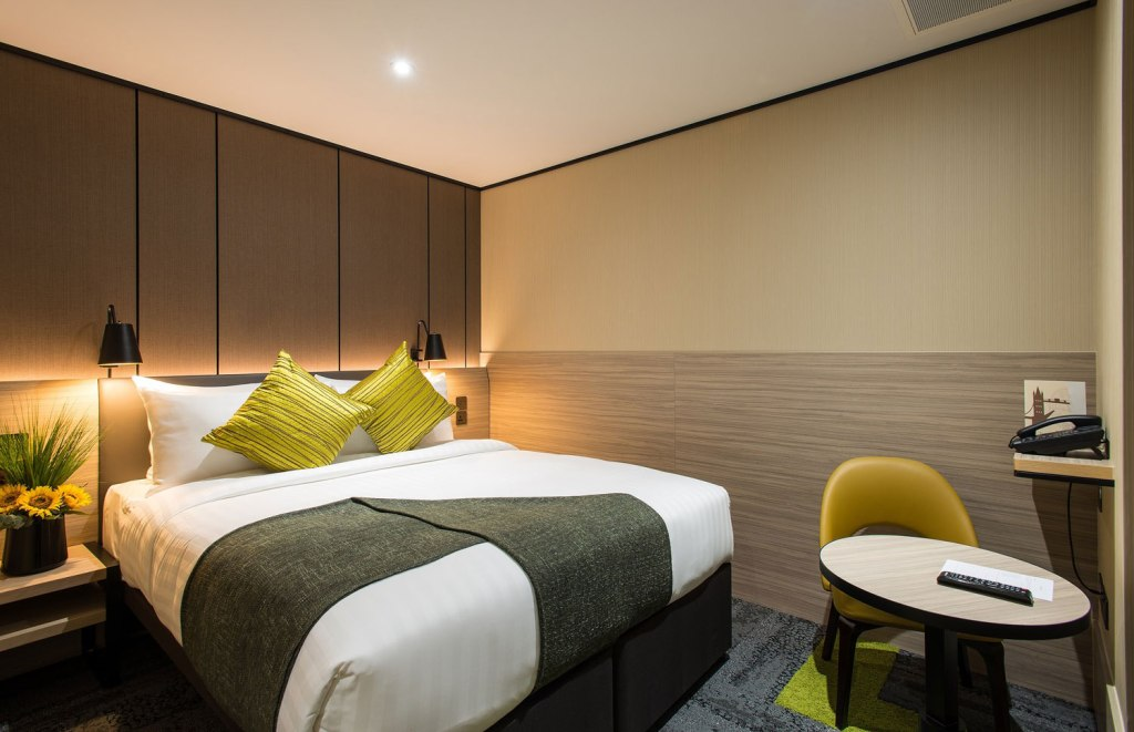 Aerotel London Heathrow with King sized bed