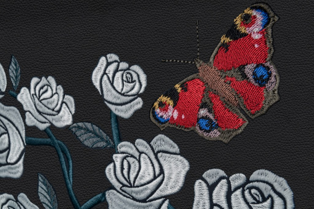 A Rolls-Royce Phantom Commission with One Million Embroidered Stitches 12