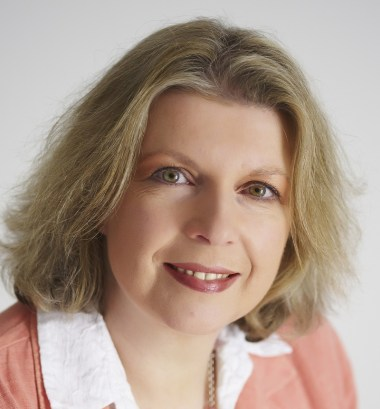 Dr. Sarah Brewer.