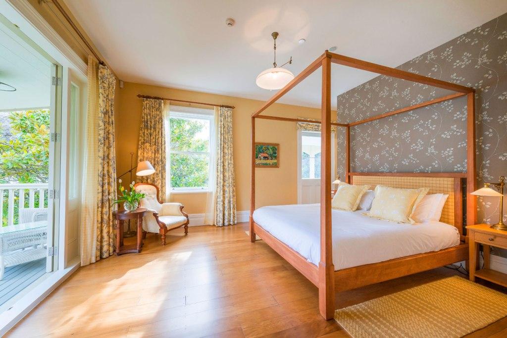 Annandale Homestead bedroom suite