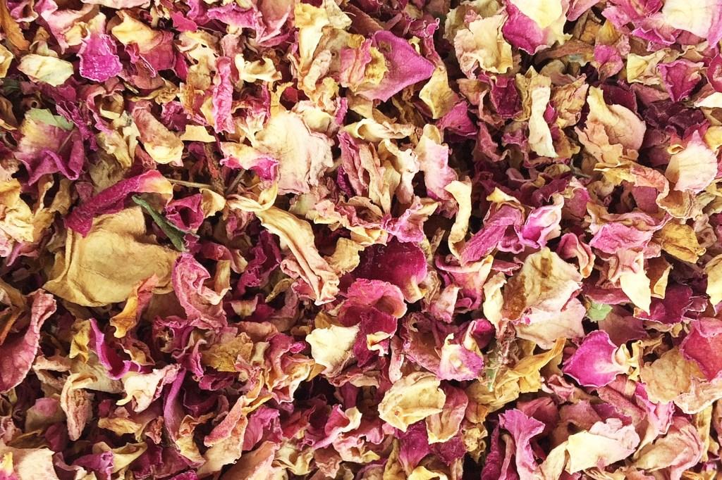 Rosa damascena petals