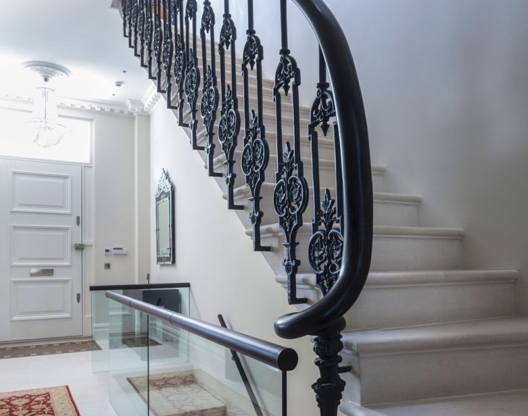 Combining Traditional and Modern in a Cohesive Luxury London Design