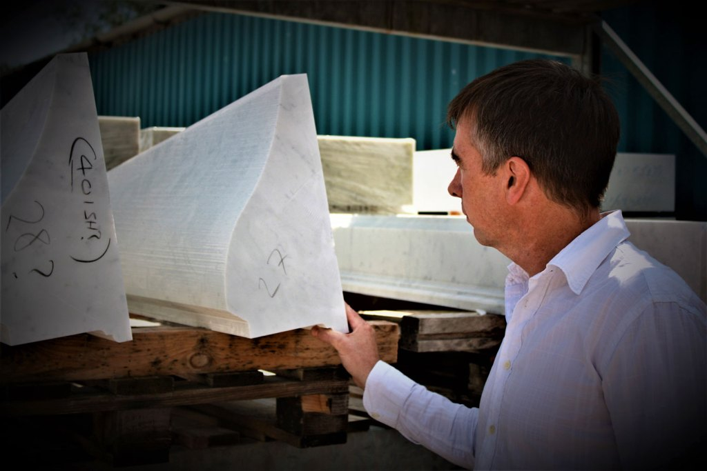 Ian Knapper choosing stone for a staircase