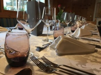 Lanerhof winkler hotel pustertal Suedtirol wellness urlaub familienhotel test kronplatz outdoor berge 012 restaurant essen - Der Lanerhof - Wellness, Gourmet & Sport in Südtirol