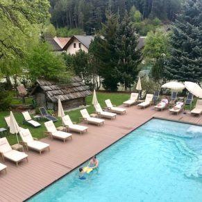 Lanerhof winkler hotel pustertal Suedtirol wellness urlaub familienhotel test kronplatz outdoor berge 01 pool aussen - Der Lanerhof - Wellness, Gourmet & Sport in Südtirol