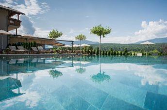Sonnenhof Winklerhotels Pool - Der Lanerhof - Wellness, Gourmet & Sport in Südtirol