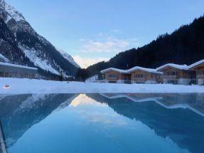 Feuerstein Family Resort Brenner aussenpool - Feuerstein Family Resort am Brenner in Südtirol - Entspannter Luxus