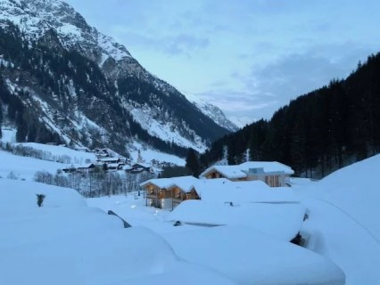 Feuerstein Family Resort Brenner panorama - Feuerstein Family Resort am Brenner in Südtirol - Entspannter Luxus