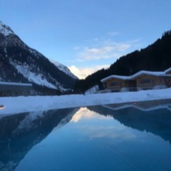 Feuerstein Family Resort Brenner pool 4 - Feuerstein Family Resort am Brenner in Südtirol - Entspannter Luxus
