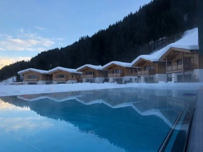 Feuerstein-Family-Resort-Brenner-pool