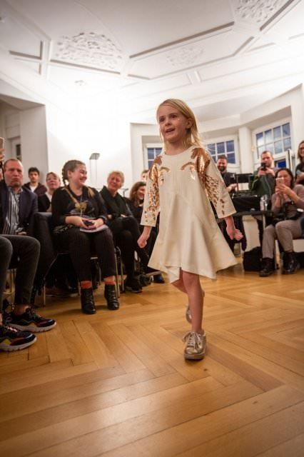 Designer Kindermode Kinderbekleidung KidsFashionShow 15 - Designer-Kinderkleidung bei der Prisco Project Kids Kindermodenschau in München