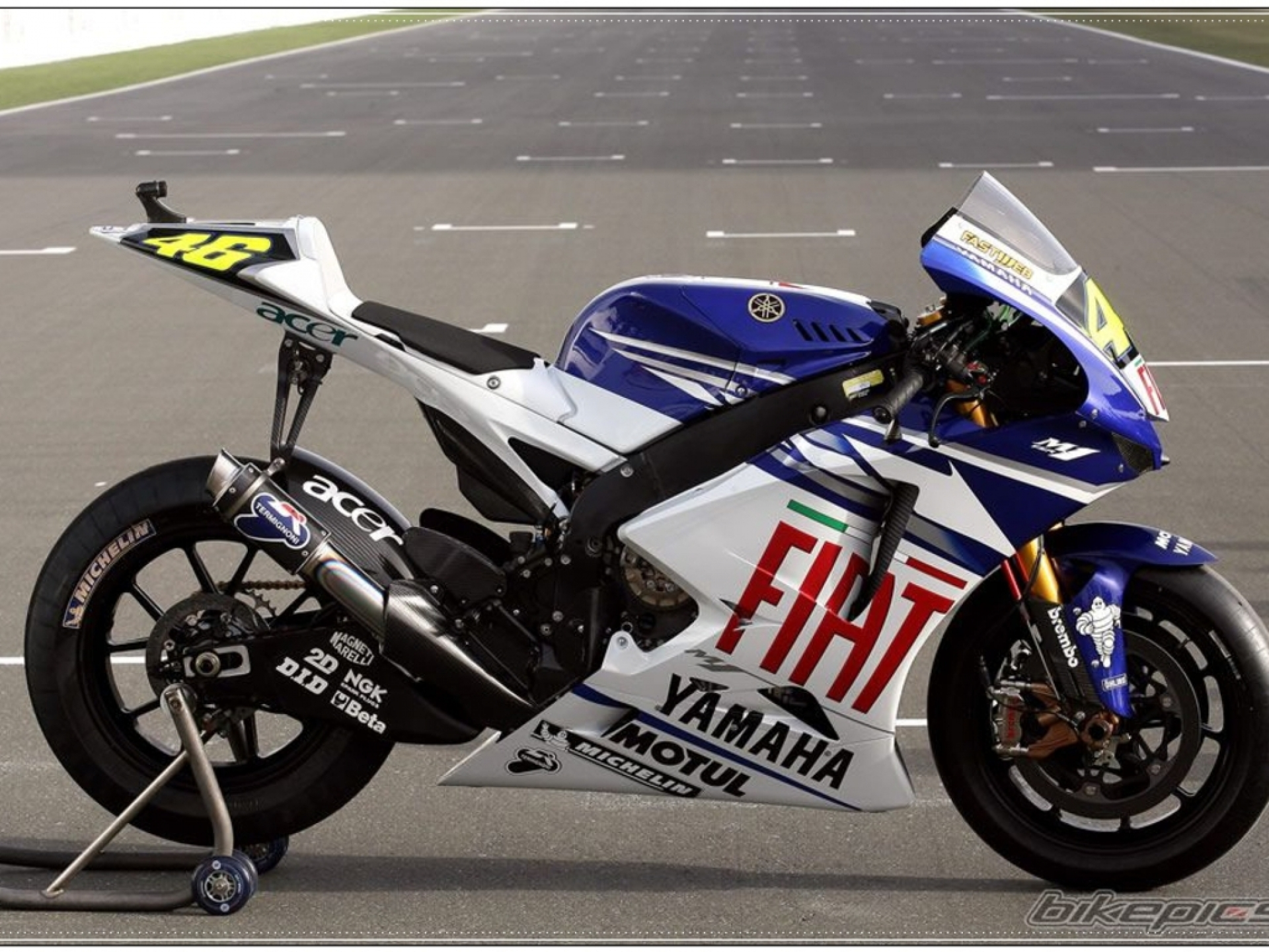 hight resolution of yamaha r1 images best yamaha r1 pictures