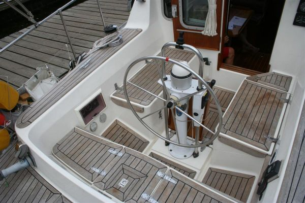 1988 Oyster 37 Heritage Pilot House Boats Yachts For Sale