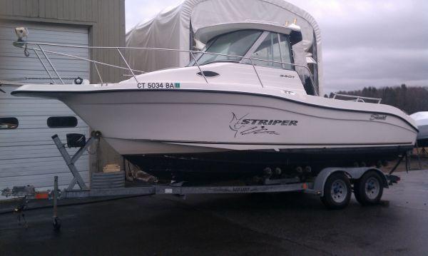 2004 Seaswirl Striper 2301 Walkaround IO  Boats Yachts