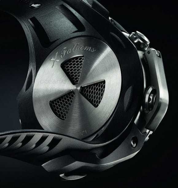 back vents of the Blancpain X fathoms dive watch
