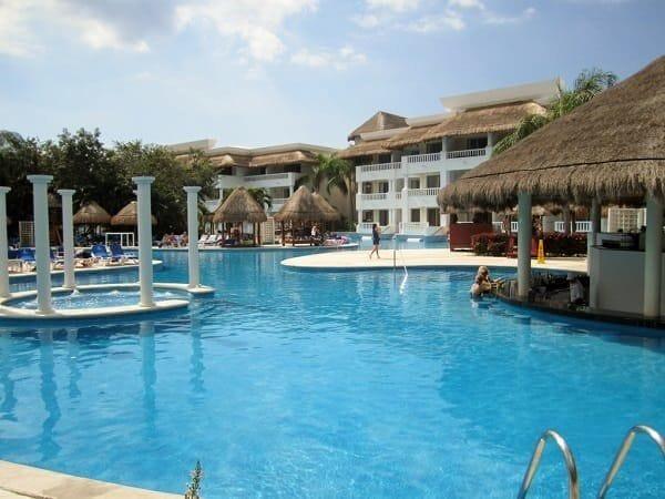 Pool at the Princess Grand Sunset Resort in Playa del Carmen - Riviera Maya