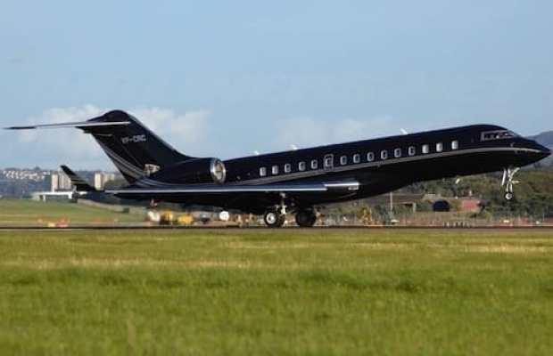 Bill Gates' Bombardier BD-700
