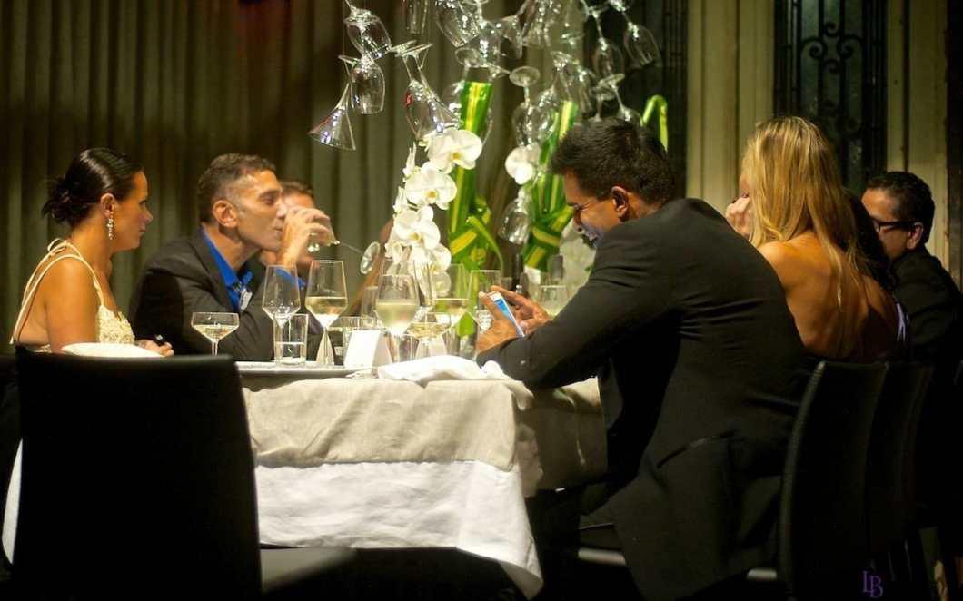 dinner_by_design_cheers_to_understated_elegance_06
