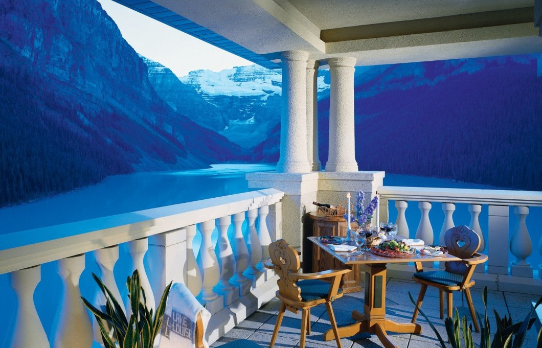 Banff Lake Louise Luxury Resort