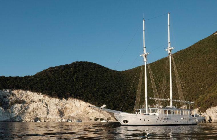 greece luxury yacht charter