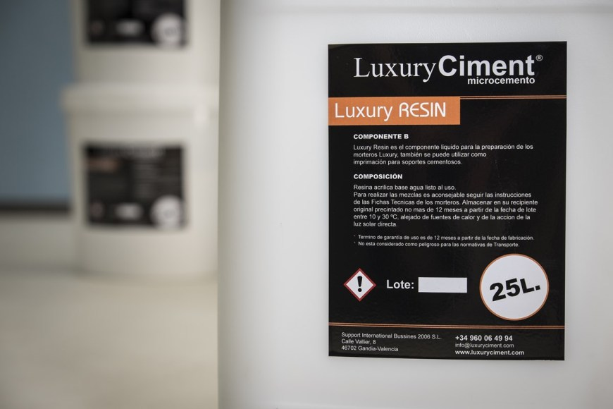 Luxury Resin - resina para mezclar microcemento Luxury Ciment