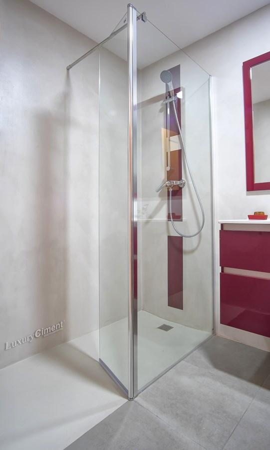 microcemento en cuadro de ducha de baño
