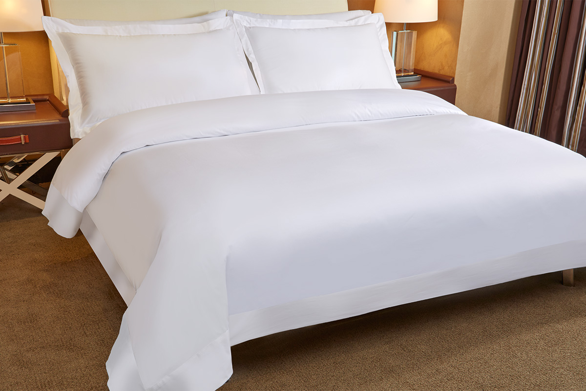 Signature Collection Bed And Bedding Set Luxury
