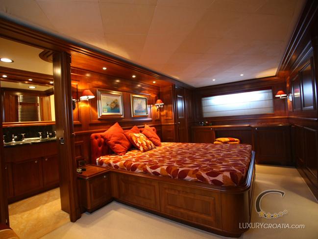 NAVETTA 30 CUSTOM LINE  Luxury yacht charter Croatia
