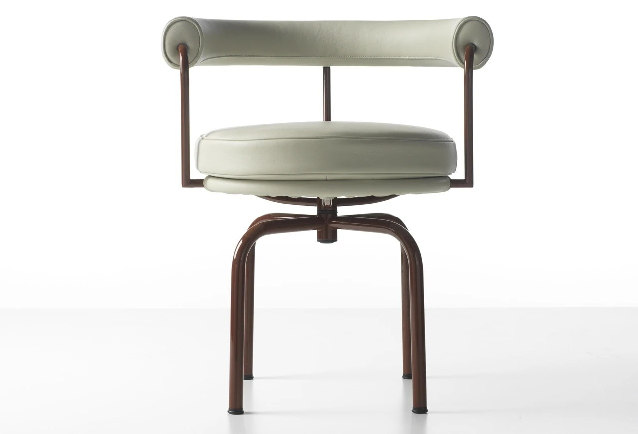 revolving chair manufacturer in nagpur glider rocking covers the lc7 rotating on a metal frame cassina luxury