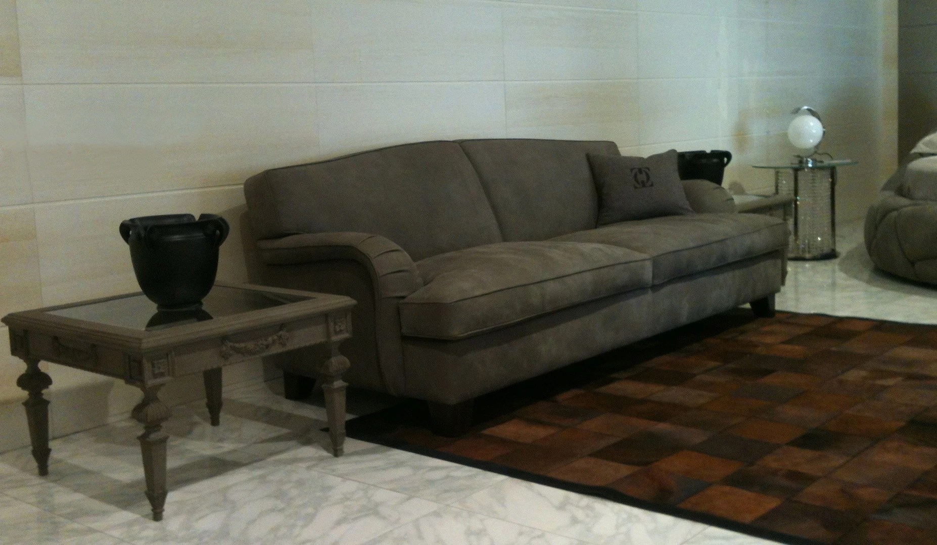 oliver sofa 98 kensington leather two seater made of wood and textiles