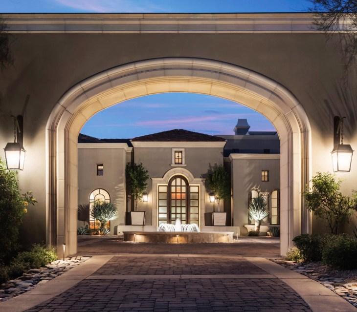 Contemporary Mediterranean House A Private Paradise: Silverleaf Mediterranean Glamour In Scottsdale, AZ