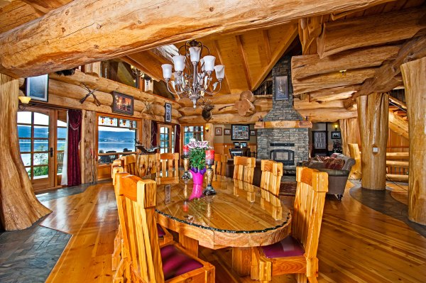 Timber King' Log Home Masterpiece - Living