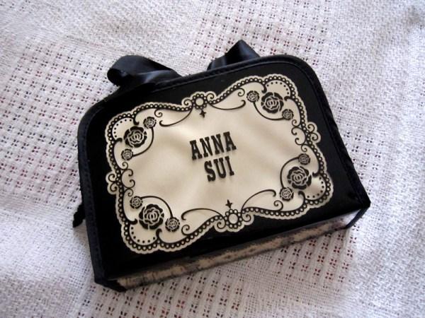 Anna-Sui-Accessories-Bag-1.jpg