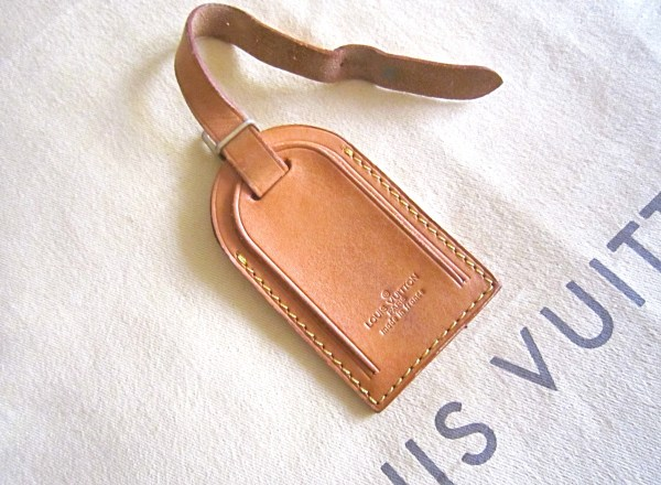 Louis-Vuitton-Name-Tag-Address-Holder-and-Handle-Keeper-Strap